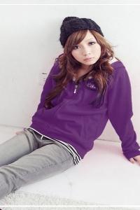 Фиолетовая ветровка с капюшоном