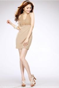 '.Бежевое коктейльное платье с шифоновым декором .'