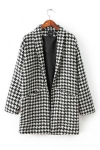 '.Пальто черно-белое .'