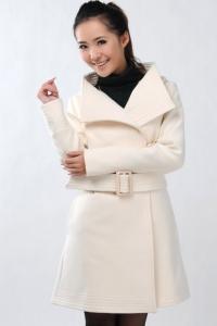 Пальто белый рис (размер XL)