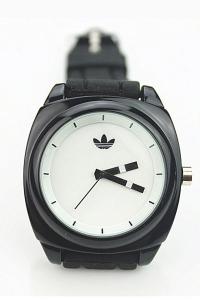 '.Спортивные часы на силиконовом ремешке .'