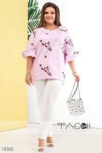'.Блуза с цветочной вышивкой .'