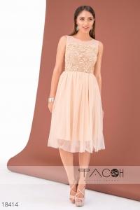 '.Коктейльное платье с пышной юбкой .'